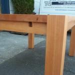 Tisch Buche gedämpft in Vollholz mit massiven Füßen und Zargentischgestell