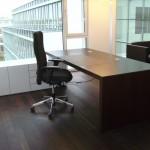 Schreibtisch und lowboard in weiß