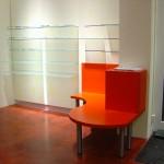 Warenpräsenterwand mit Glas