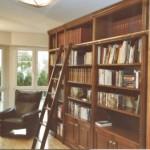Einbauschrank Klassische Bücherschrankwand in Cherry/amerikanischer Kirschbaum mit profilierten LisenenMünchen